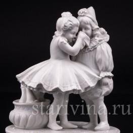 Фарфоровая статуэтка Пьеро и Коломбина Volkstedt, Германия, Кон 19, нач. 20 вв.